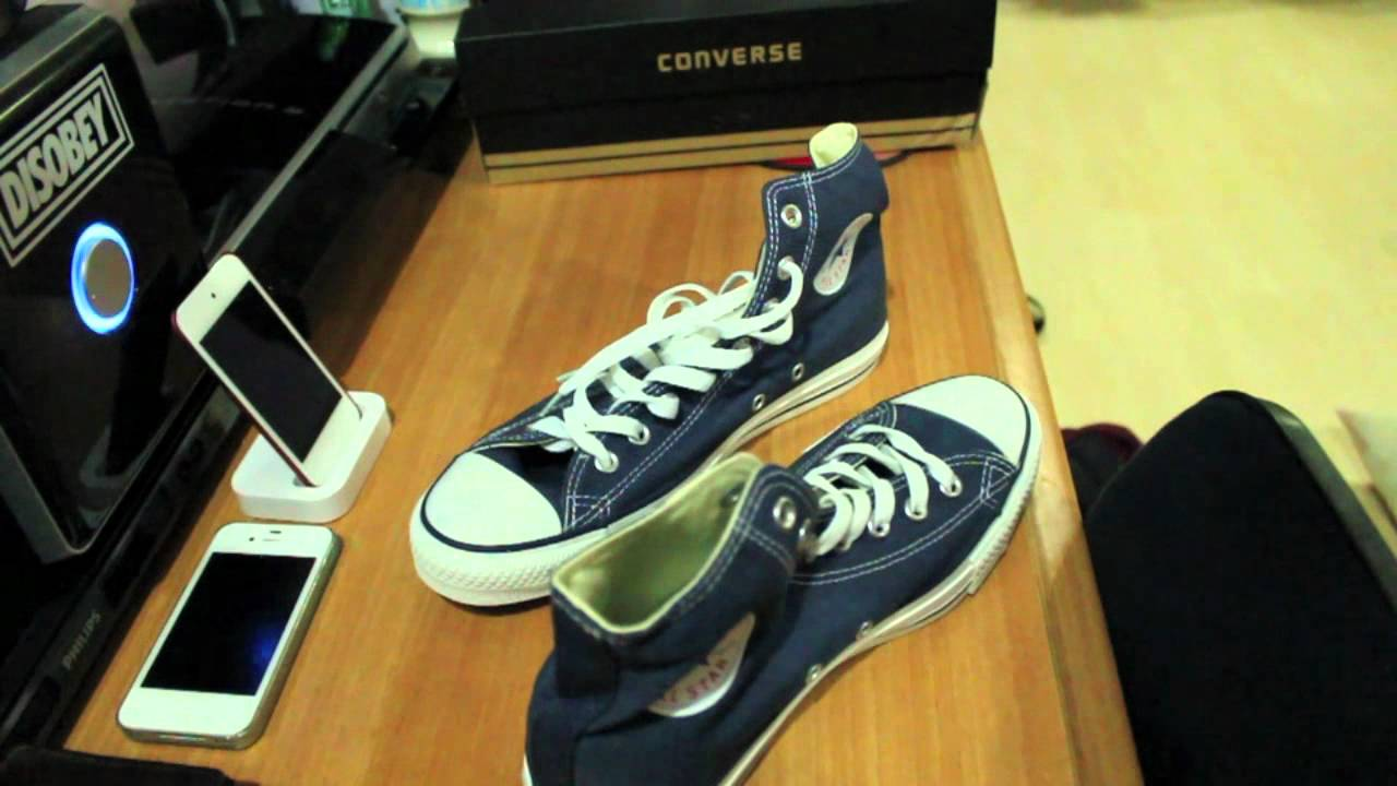118636b117e15a Converse Navy BLue high top unboxing - YouTube