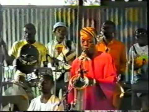 Fela Anikulapo Kuti Live at the Afrikan Shrine, Lagos, Confusion Break Bone