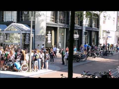 People in Motion ♫🎧😊HD - Time Lapse Fun