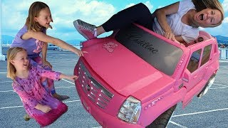 Addy & Maya Run from the Crazy Car Store thumbnail