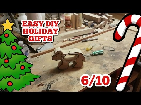 EASY Wooden Piggy Bank // Easy DIY Holiday Gift Series 6/10
