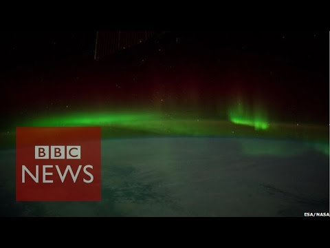 Aurora Australis filmed from space - BBC News