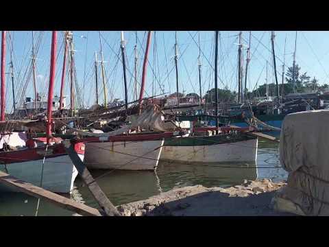 Madagascar. Mahajanga port. High tide.