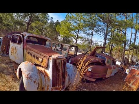 Awesome Antique Car Junkyard Heaven