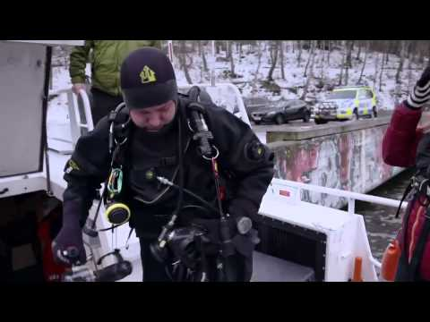 Swedish marine police using DeepVision side scan sonar locating stolen goods in the water