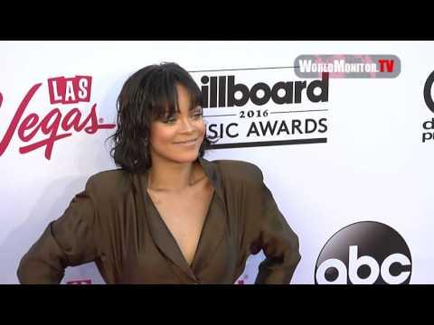 Rihanna Too Hot! for 2016 Billboard Music Awards Pink Carpet