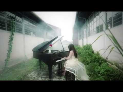 YURIN - HUJAN (Official Music Video)