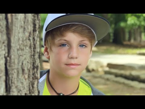5 Seconds Of Summer - She Looks So Perfect (MattyBRaps & Carissa Adee Cover)