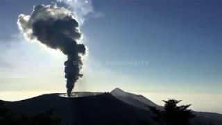 Hear The INCREDIBLE ROAR Of An Erupting Volcano thumbnail