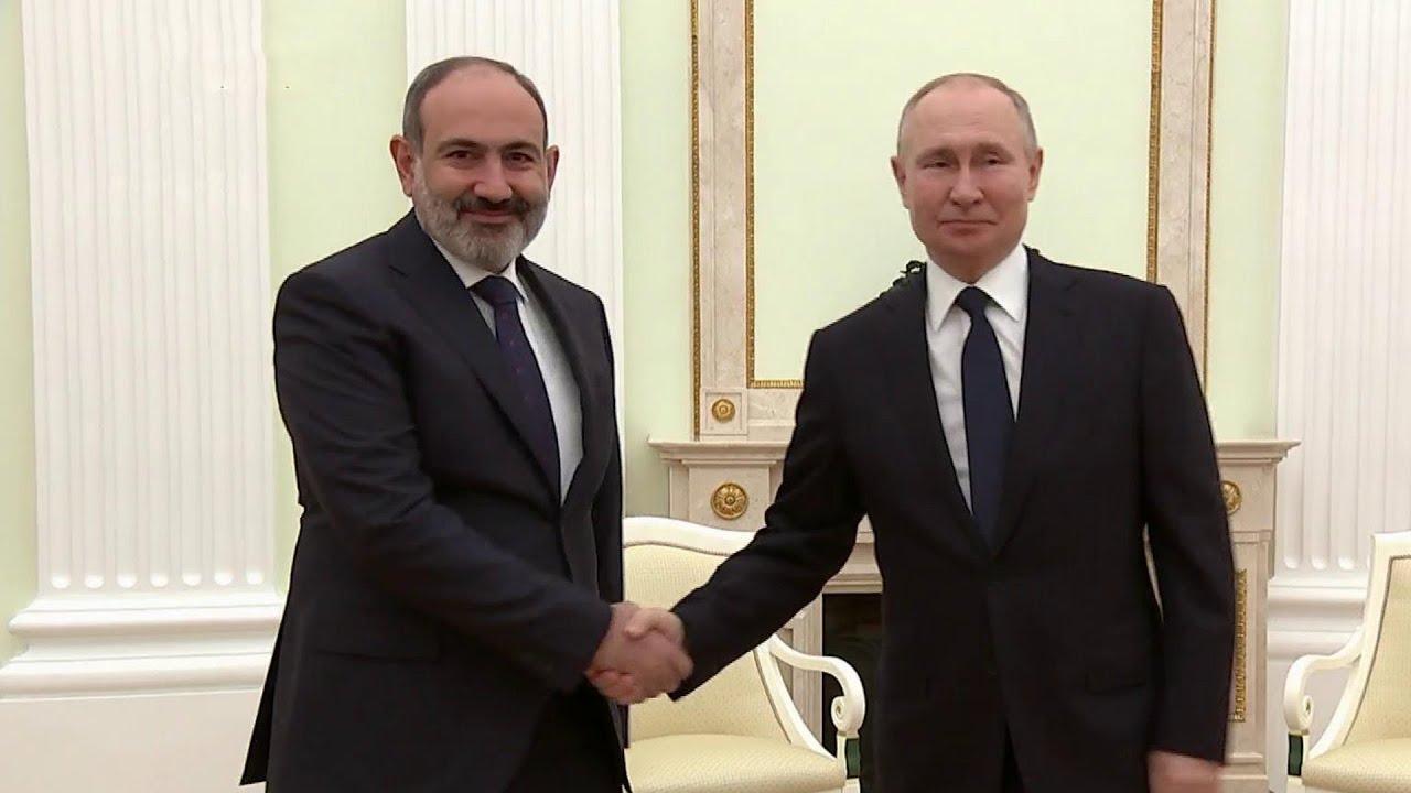 Владимир Путин и Никол Пашинян говорили о ситуации в Нагорном Карабахе и поставках