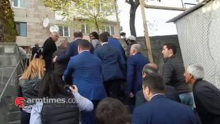 armtimes com/Տարոն Մարգարյանը ողջունում է իր համար «վիզ կտրելու» պատրաստ քաղաքացուն