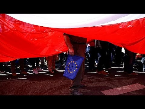 EU warns Poland on rule of law