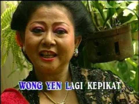 Lingsir Wengi - Waljinah