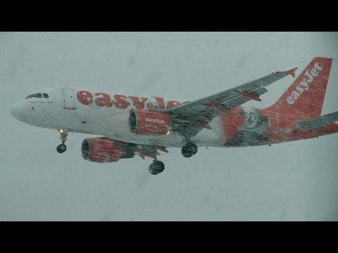 Heavy Snow showers | Winter afternoon at Newcastle Airport 2018