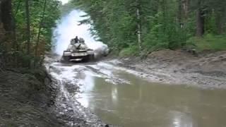 Боевой танк T-55A.mp4(Боевой танк T-55A.mp4 машина machine масло oil запчасти spare parts вождение drive транспорт transport автомобиль car дтп accident..., 2013-12-24T15:09:23.000Z)