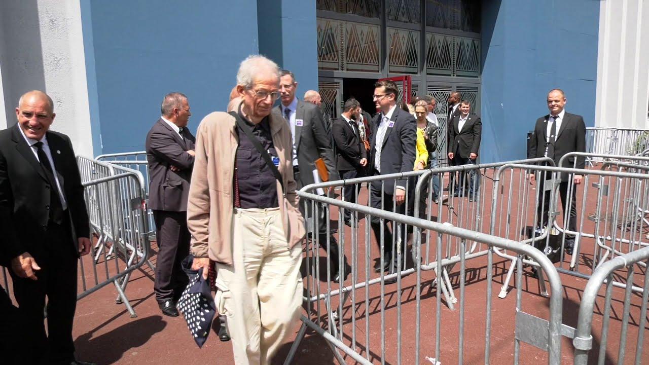 Les salariés Carrefour manifestent devant l'AG des actionnaires (15 juin 2018, Aubervilliers)