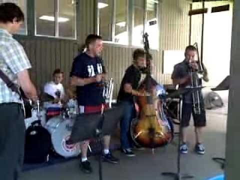 2011 Sacramento Trad Jazz Camp - Viper Youth jam