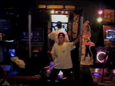 Pre-2001 DDR Dance Dance Revolution Archive : Para Para Paradise Edition - ppp2_007.mpeg