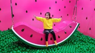 마법의 젤리를 먹으면 신기한 곳으로 가요? 서은이의 컬러풀 뮤지엄 색깔놀이 수박 도넛그네 핑크 볼풀 전화기 Colorful Museum Seoeun Story