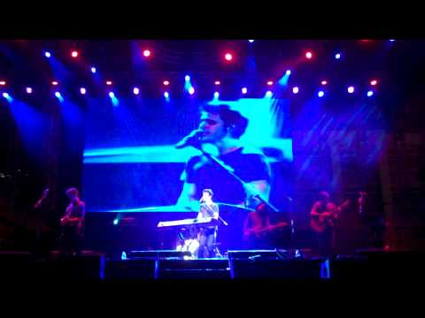 "Kris Allen ""Ain't No Sunshine"" Live in Manila"