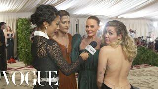 Miley Cyrus, Paris Jackson & Stella McCartney on Sustainable Fashion | Met Gala 2018 With Liza Koshy マイリーサイラス 検索動画 30