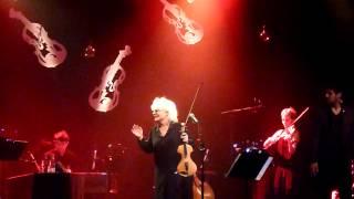 """""""Au milieu de nulle part"""" par Catherine Lara accompagné par le Sirba Octet - Live 2013"""