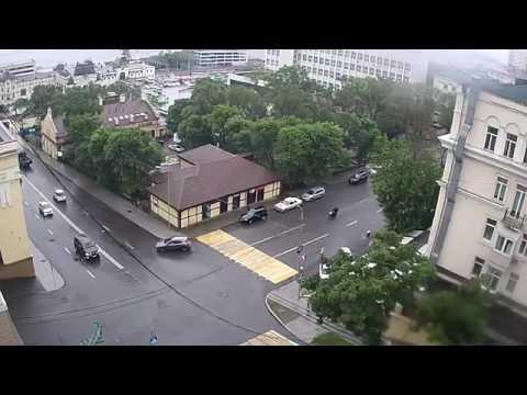Момент смертельного ДТП с мотоциклом во Владивостоке.  Оба погибли