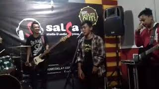 Download lagu Five Minutes - TRAUMA ( rasaku hilang ) cover by Fivers Cirebon Comunnity/FISCOC