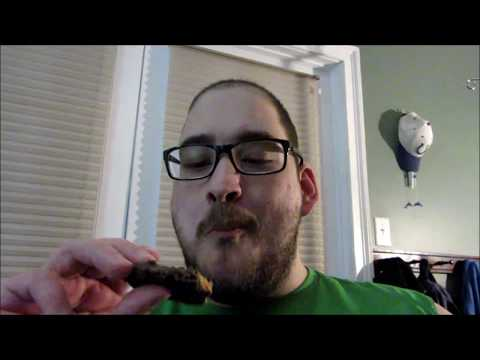 Combat Crunch Peanut Butter Cup Protein Bar MusclePharm - YouTube