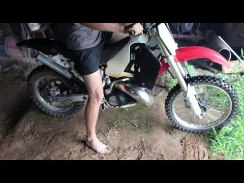 Honda CR500 Barefoot start!