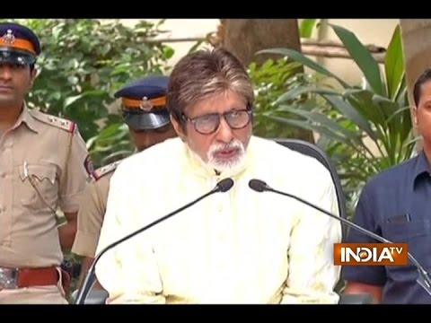 Big B Turns 74: Amitabh Bachchan addresses media on his birthday