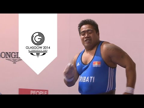 Kiribati's David Katoatau celebrates gold medal with funky dance | Unmissable Moments