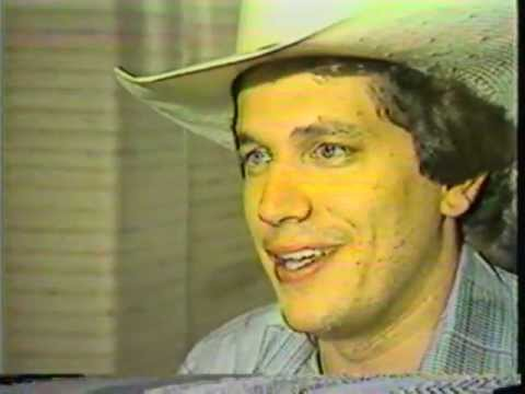 George Strait: Unseen For 30 Years, One of His Earliest Interviews!