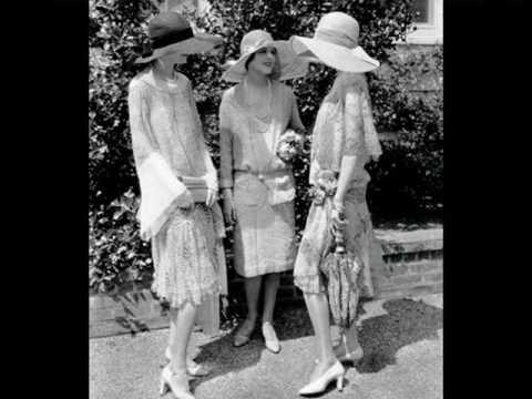 Roaring Twenties: Orch. Bernard Etté - When Polly Walks Through the Hollyhocks, 1928