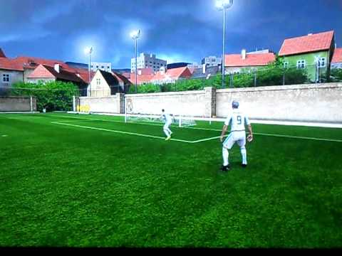 Fifa 11 One on One - Approaching and making a globe