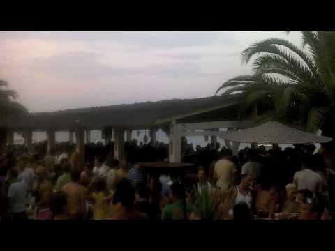 navagos beach bar