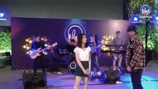 Download lagu Ost Melodylan the movie Teman cintaku Devano Danendra ft Aisyah Aqilah live MP3