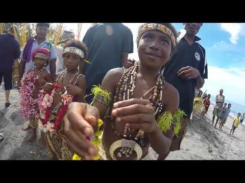 Exploring Australia & Papua New Guinea.