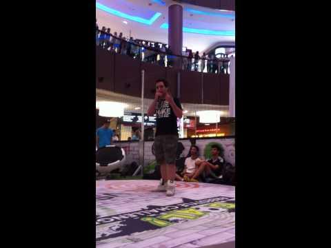 Fabio beatbox performing at The Dubai Mall