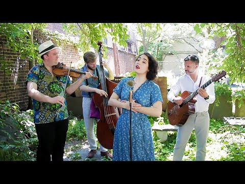Un rien me fait chanter (Charles Trenet) – Avalon Jazz Band