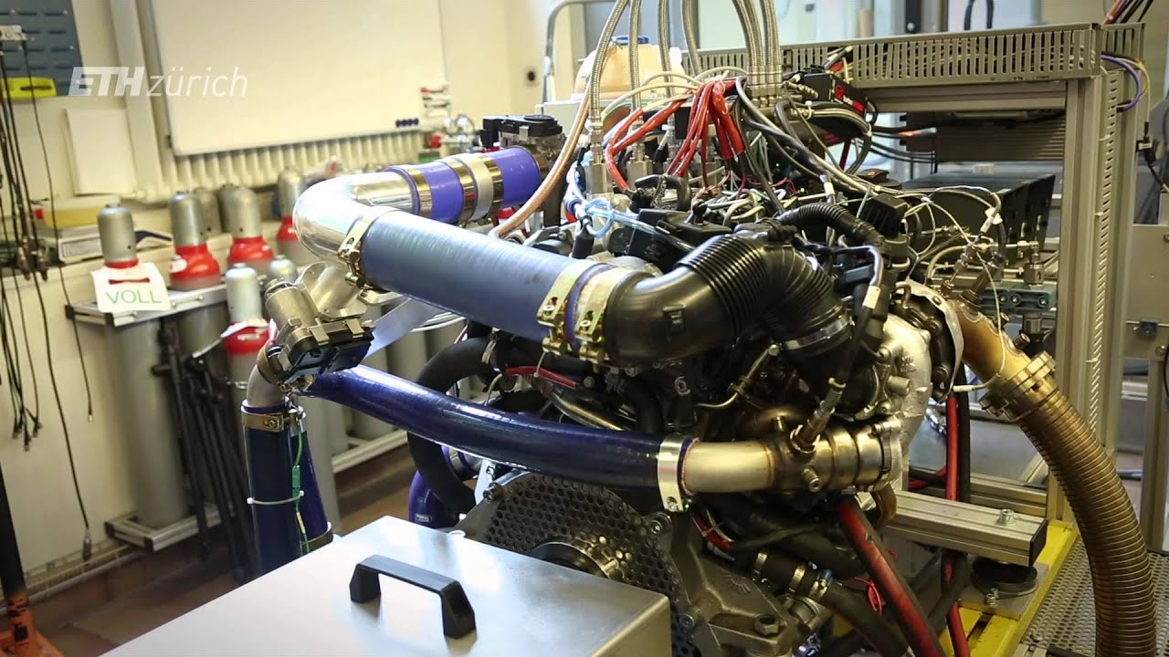 Ultra efficient hybrid engine runs on natural gas and sel