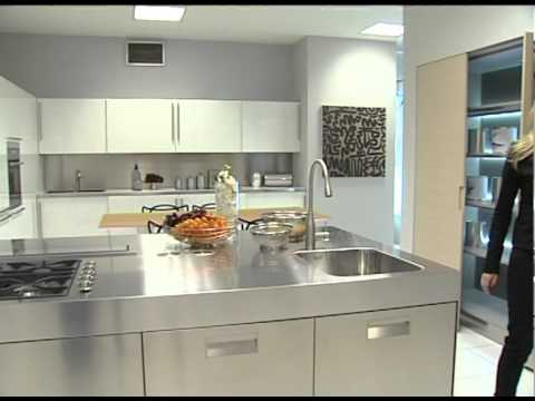 Ostilio mobili presenta cucine arclinea youtube for Mobilia cucine