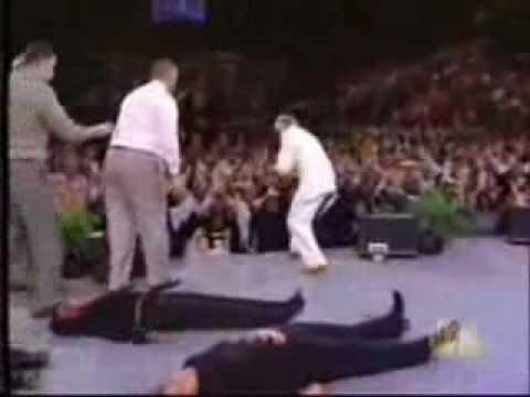 El Falso Reavivamiento Religioso Benny Hinn Youtube