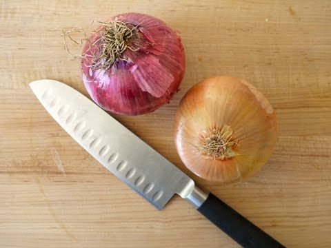 how to cut an onion fast