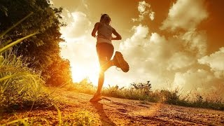 Видеоответ. В какое время дня лучше бегать. Утром или вечером.