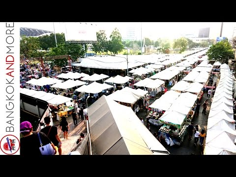 Ramkhamhaeng Night Market Bangkok - Walk Trough Amazing Thai Street Food Stalls -