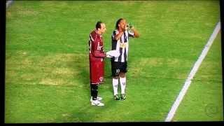 Гениальный гол Рональдиньо!!! Ingenious and very cunning goal Ronaldinho
