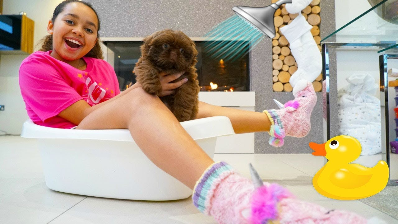 Tiana S Puppy S First Bath Youtube