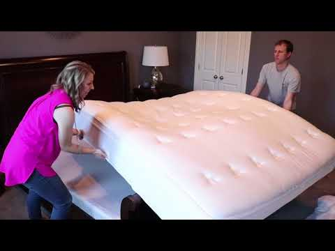 DreamCloud Mattress Review & Unboxing + $200 Promo Code!