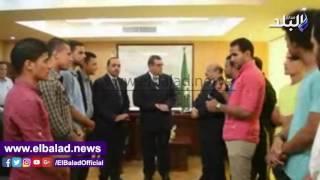محافظ الفيوم يُكرم فريق كرة القدم للصم بعد صعوده للدوري الممتاز.. فيديو وصور